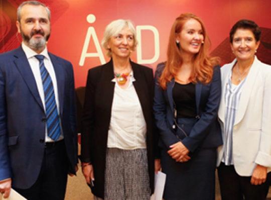 (ES) AED lanza el proyecto 'Mujeres en Consejos'